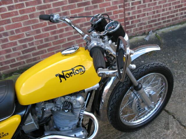 Norton Commando 750 SS